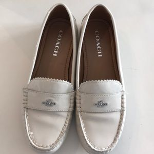 Coach odette loafers cream 7.5M like new